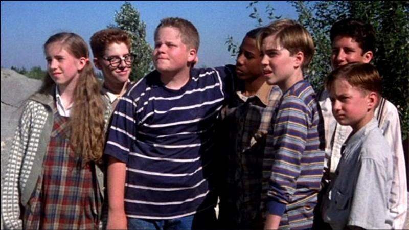 """Quel film les """"Losers"""" vont-ils voir au cinéma dans le téléfilm de 1990 ?"""