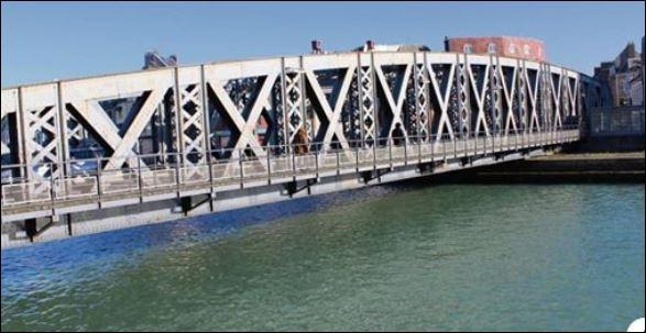 Surnommé Grand Pont, Pont Neuf, c'est le dernier grand pont tournant d'Europe à fonctionner dans sa configuration d'origine. Dans quelle ville de Seine-Maritime se trouve le pont Colbert baptisé en 1925 et classé au titre des monuments historiques en 2019 ?