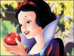 Laquelle de ces princesses a croqué dans une pomme empoisonnée ?