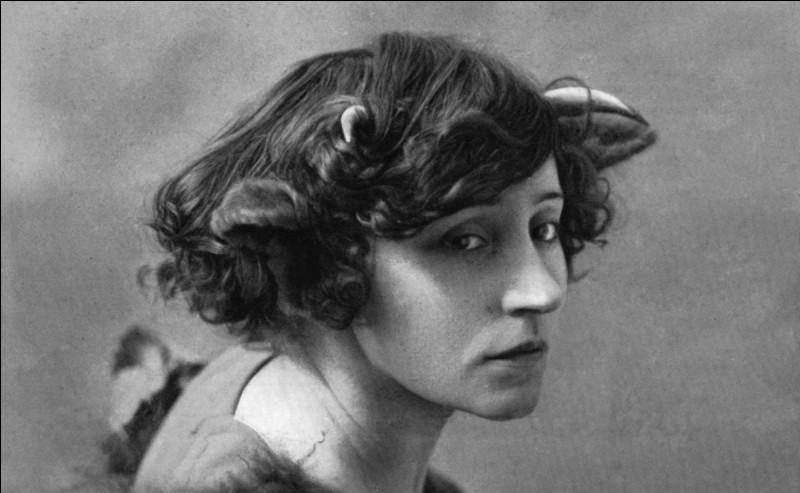 Quel prénom féminin correspond à une série de romans de Colette ?
