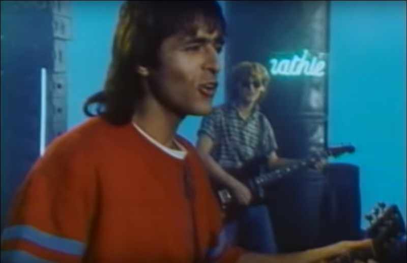 C'est en duo que Goldman nous livrait là un chef d'oeuvre de l'année '85. Quel titre interprétait-il sur ce clip ?