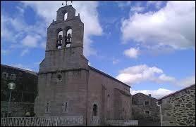 Voici l'église Saint-Frézal de Julianges. Petit village Lozérien de 57 habitants, il se situe dans l'ancienne région ...