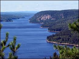 Dans quel pays se situe la rivière des Outaouais ?