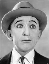 """Quel clèbre héros d'une série de courts-métrages comiques américains réalisés à l'époque du muet, était surnommé """"Zigoto"""" en France ?"""