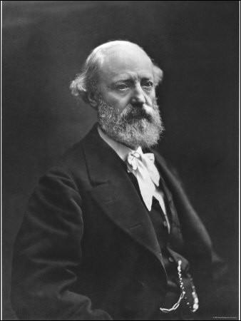 Qu'est-ce que Eugène Viollet-le-Duc a inauguré le 15 août 1859 ?