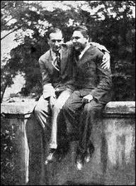 A quel courant littéraire appartenaient André Breton et Philippe Soupault ?