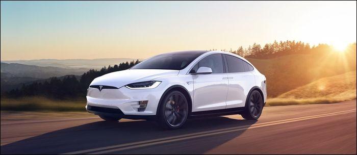 Quelle est la taille de la Tesla Model X ?
