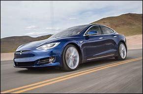 Quelle est l'accélération maximale d'une Tesla de 0 à 100 km/h ?