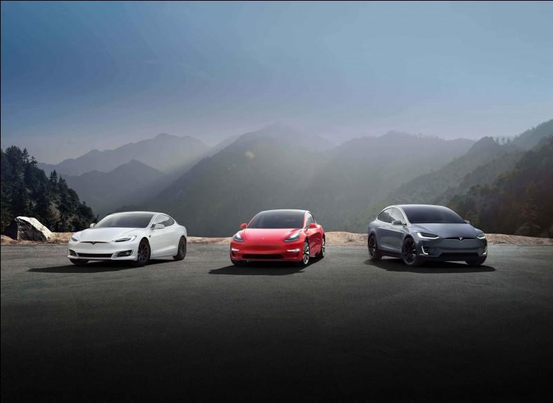 De combien de véhicule est composé la gamme Tesla
