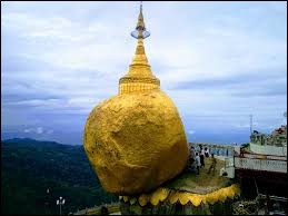 Dans quel pays peut-on voir le Rocher d'Or ?