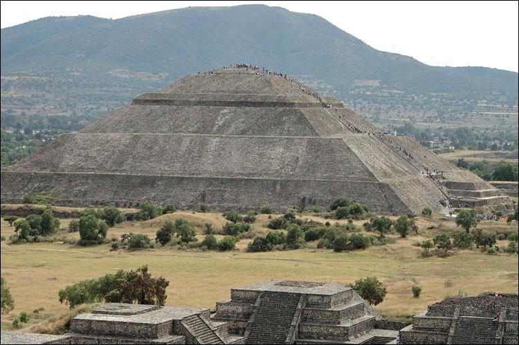 Qui honorait-on vraiment sur la pyramide du soleil ?