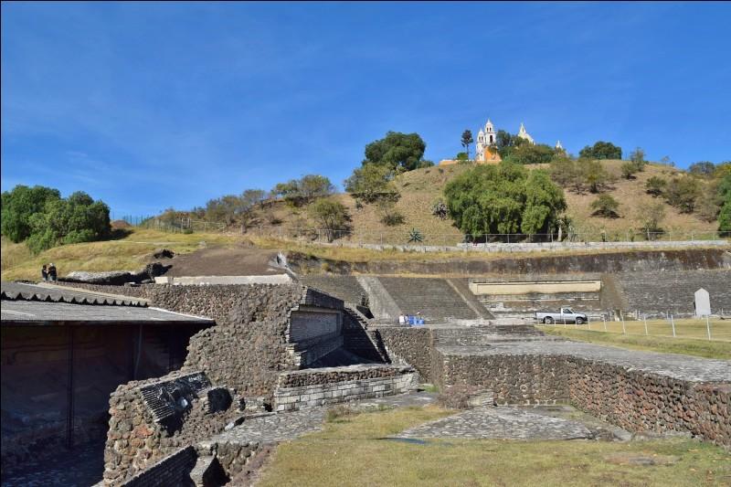 Pourquoi la pyramide de Cholula a-t-elle été détruite au XVIe siècle ?