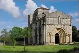 Nous terminons notre balade en Charente-Maritime, à Villars-en-Pons. Nous sommes en région ...