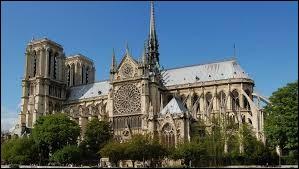 Sur quelle île se trouve la cathédrale Notre-Dame ?