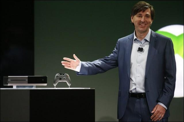 Quel accessoire de la Xbox One a été en partie responsable de son échec au lancement de la console ?