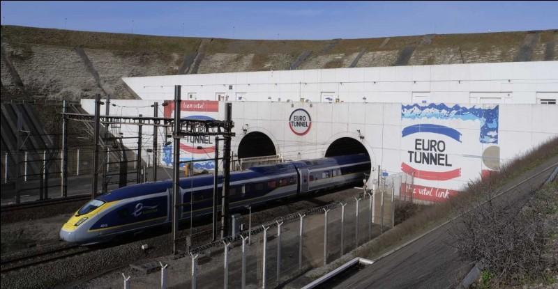 En quelle année fut inauguré le tunnel sous la Manche ?