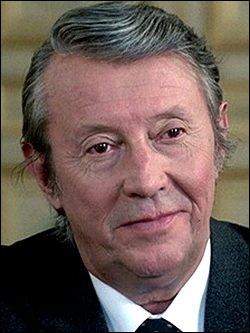 """Il a joué dans """"Les Maudits"""" de René Clément (1947), """"Manon"""" d'Henri-Georges Clouzot (1948) et dans """"Justice est faite"""" d'André Cayatte (1950) ; il était le docteur Mathy dans """"Sept morts sur ordonnance"""" de Rouffio et Leprince dans """"Trois hommes à abattre"""" de Jacques Deray : c'est ..."""