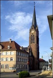 Nous terminons notre balade dans le Grand-Est, à Village-Neuf. Ville aux frontières suisses et allemandes, dans l'agglomération trinationale de Bâle, elle se situe dans le département ...