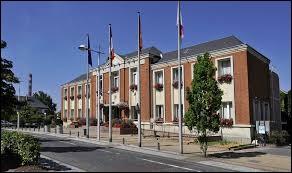 Je vous emmène en Normandie au Petit-Couronne. Ville de la métropole Rouennaise, elle se situe dans le département ...