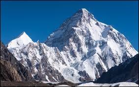 Comment appelle-t-on habituellement le Qogir Feng, le deuxième plus haut sommet du monde ?
