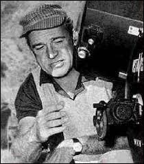 """Ce cinéaste américain, réalisateur de """"L'Homme de la plaine"""", """"L'Homme de l'Ouest"""", """"La Chute de l'empire romain"""", c'est ... Mann."""