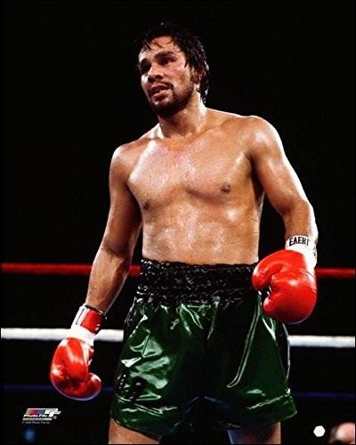 Ancien boxeur venant du Panama, identifie-le