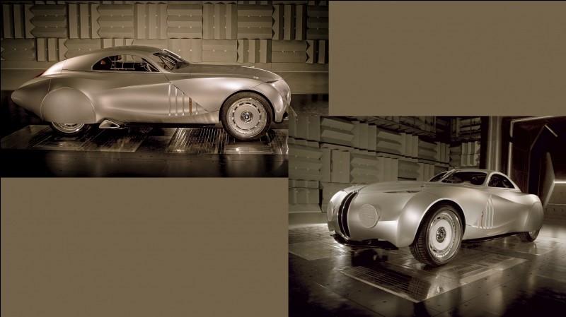 Ce concept de 2006 signé BMW allie la technologie moderne et l'esprit des voitures de course historiques.