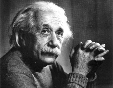 Ce physicien, célèbre par ses travaux sur la relativité, prix Nobel en 1921, se prénomme ...