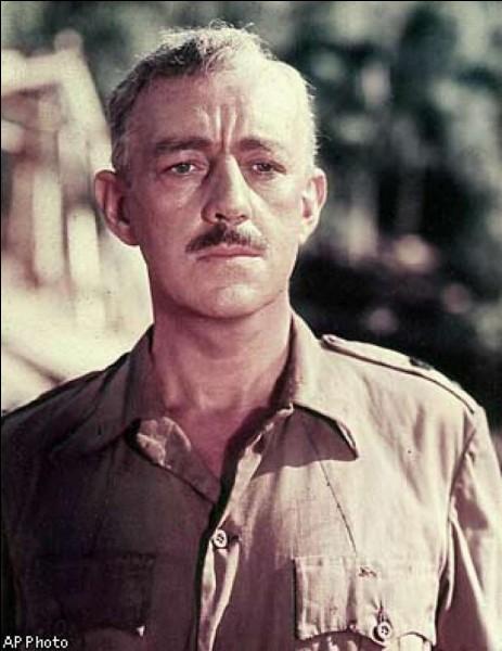 """Cet acteur était le très britannique colonel Nicholson dans """"Le Pont de la rivière Kwaï"""" ; il a ensuite été Obi-Wan Kenobi dans """"Star Wars"""" : il se prénomme ..."""