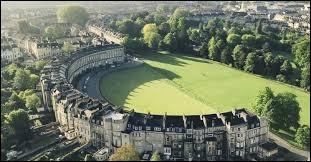 Où se situe la ville de Bath ?
