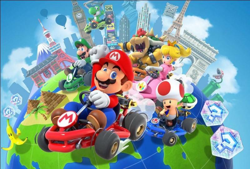 Quel objet dans la série ''Mario Kart'' traque le joueur en première position et explose à son contact ?