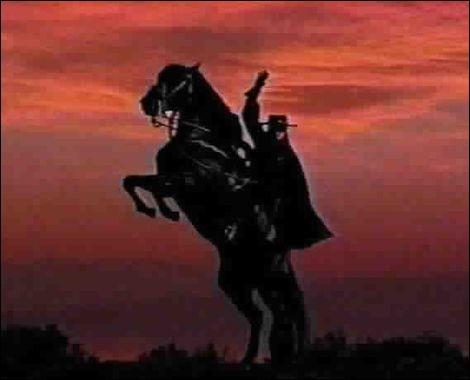 """Ce danseur souvent apprécié,Peut être léger comme un jockey,s'avère utile pour clouer.On le dit, parfois, bien mal élevé : Comportement """"olé-olé"""",Grossier, rustre, mal embouché !En justicier, il est nocturne,Tel le renard, il est rusé,Dès mon enfance, à la télé,Surgissait en cape noire et cothurnes !Qui est-il ?"""