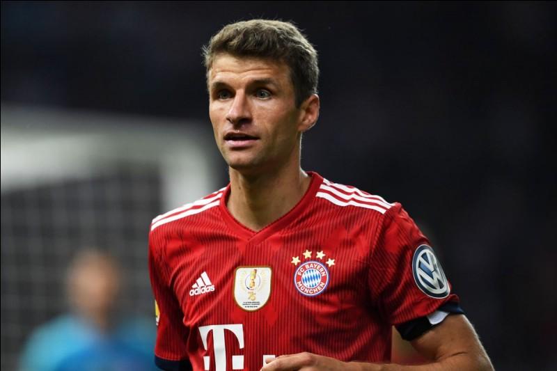 Le Bayern Munich est le club allemand le plus titré. Quels sont les deux stades dans lesquels il a joué depuis les années 1970 ?