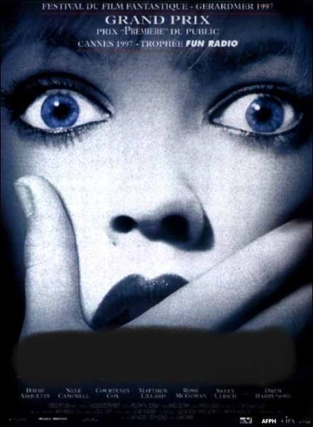 Quel est ce film, réalisé par Wes Craven dont l'un des premiers rôle de Drew Barrymore ?