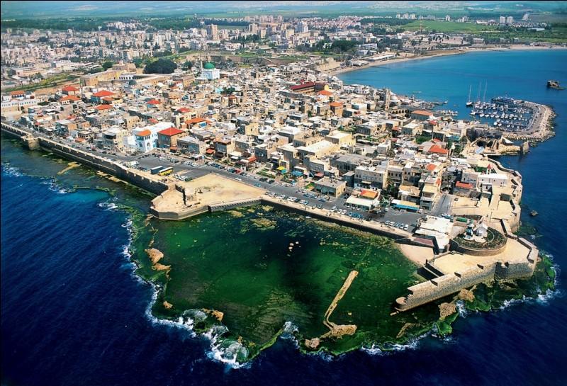 Dans quel pays actuel situez-vous la ville de Saint-Jean d'Acre ?