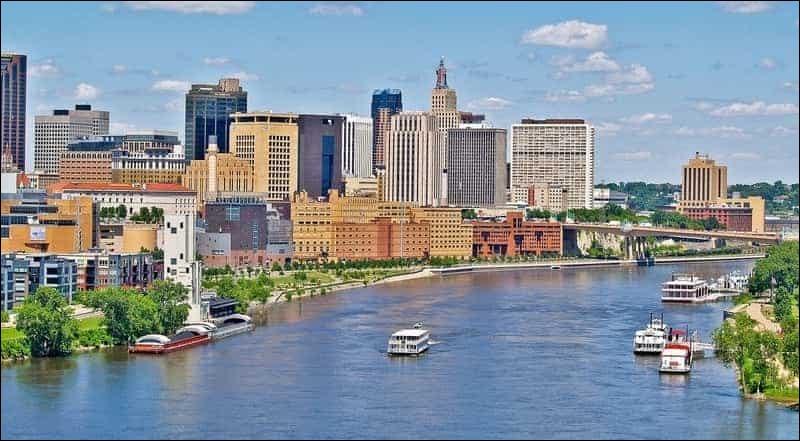Quel État des États-Unis possède comme capitale la ville de Saint-Paul ?
