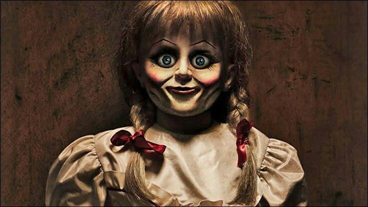 Dans quel film la poupée Annabelle a-t-elle fait sa première apparition ?