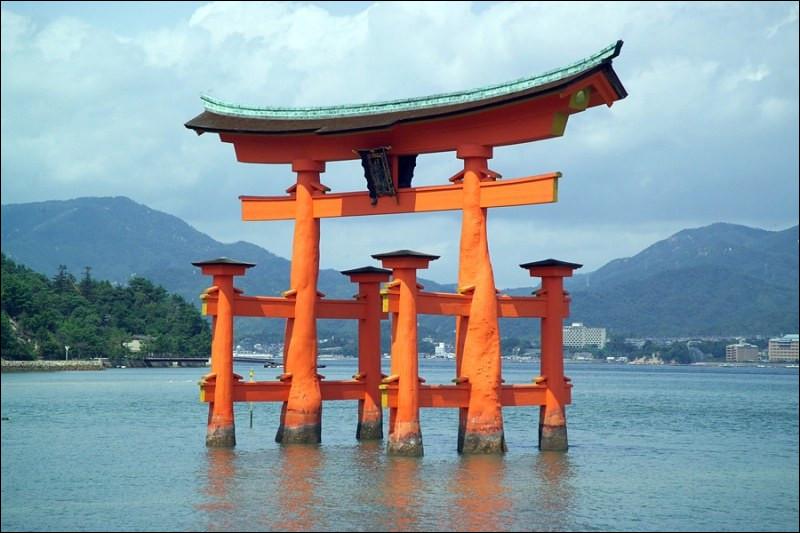 Dans le shintoïsme, de quoi Amaterasu est-elle la déesse ?