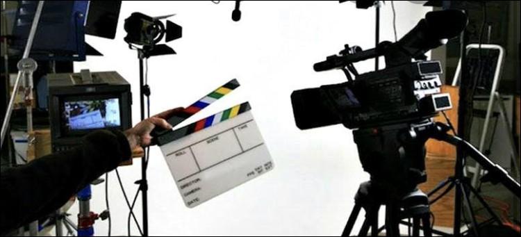 Tu es sur le point de passer ton premier casting en tant que personnage principal, tu passes dans 5 minutes. Que fais-tu ?