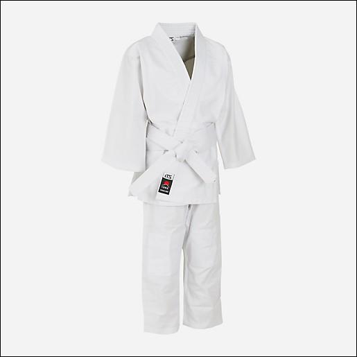 Comment s'appelle l'habit qu'on porte au judo ?