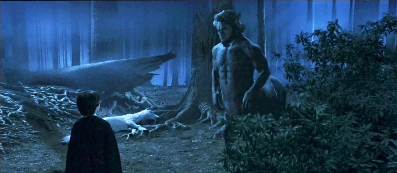 Le centaure qui sauve Harry de Voldemort dans la Forêt interdite s'appelle...
