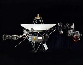 Quel est le premier engin spatial à avoir quitté la zone d'influence magnétique du Soleil ?