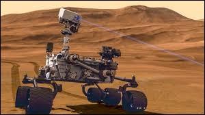 Quel est le petit nom de ce rover qui foule le sol martien depuis 2012 ?