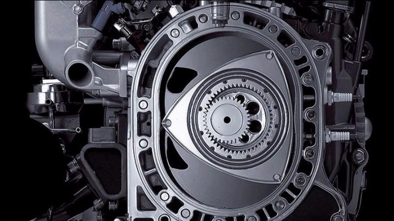 Lequel de nos trois constructeurs nationaux s'est déjà essayé au moteur à pistons rotatifs de Felix Wankel ?