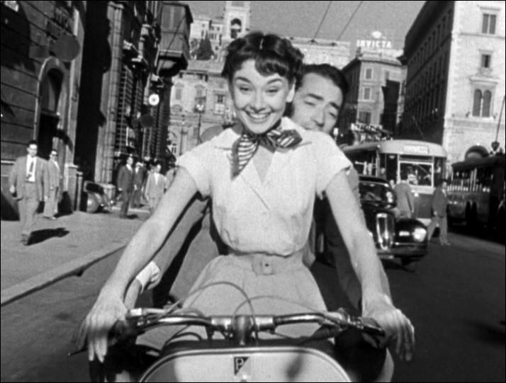 """Cette actrice, oscarisée pour son rôle dans pour """"Vacances romaines"""", a ensuite joué dans """"Diamants sur canapé"""" et dans la comédie musicale """"My Fair Lady"""" : elle se prénomme ..."""