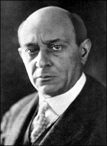 """Ce compositeur autrichien, également peintre, auteur du poème symphonique """"Pelléas et Mélisande"""", c'est ... Schönberg."""
