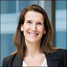 Première ministre depuis le 27 octobre 2019, c'est la première femme à occuper ce poste en Belgique. Petit bémol : elle est à la tête d'un gouvernement en affaires courantes en attendant la mise en place du nouveau gouvernement... ce qui peut prendre du temps en Belgique !Qui est cette ancienne ministre fédérale du Budget ?