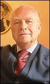 Son papa Gaston a été premier ministre à plusieurs reprises entre 1949 et 1973. Son passage à la tête du gouvernement a été plus bref, 261 jours en 1981. L'avez-vous reconnu ?