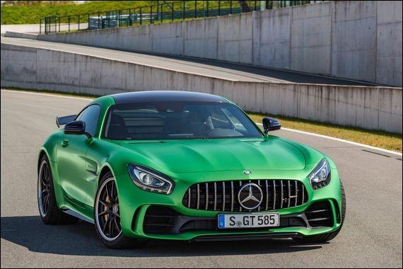 Quel est le modèle de cette Mercedes ?