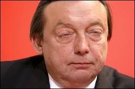 C'était sa tête de tous les jours ! Souvent imbibé, même s'il en a joué, il jonglait avec les chiffres comme personne. Comment Michel Daerden aimait-il qu'on le surnomme ?